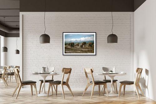תמונה למסעדה - אייל ברטוב - עדרים בנדידה - מק''ט: 9641