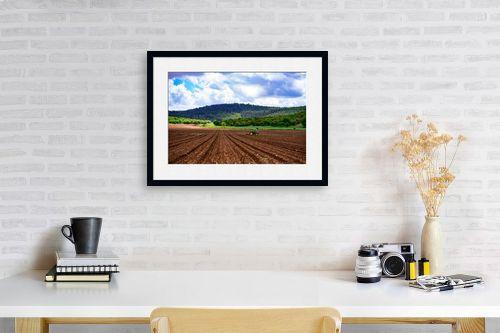 תמונה לפינת עבודה - שי וייס - שדות עמק יזרעאל - מק''ט: 281469