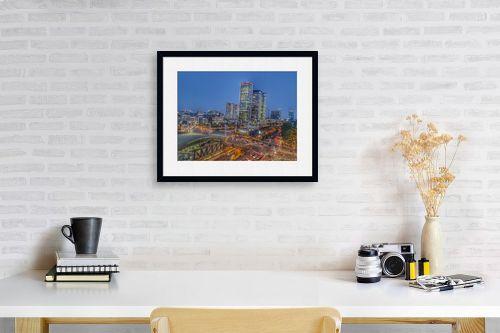 תמונה לפינת עבודה - מתן הירש - עיר האורות - מק''ט: 335454