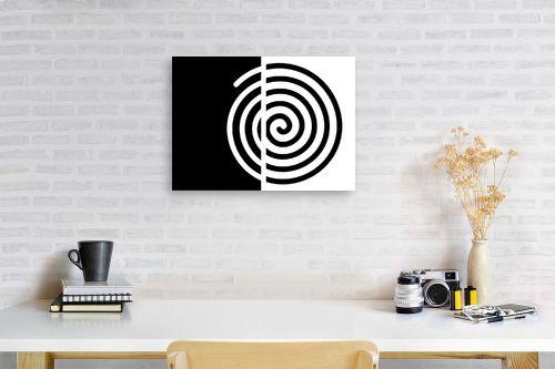 תמונה לפינת עבודה - אתי דגוביץ' - שבלול שחור לבן - מק''ט: 99088