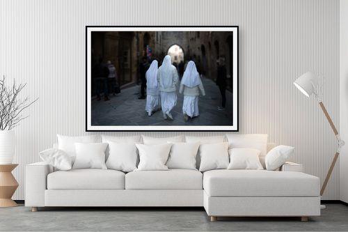 תמונה לסלון - שי וייס - שלוש נזירות - מק''ט: 298300