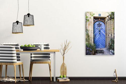 תמונה לפינת אוכל - ויויאן נתן - דלת כחולה בימין מושה - מק''ט: 226819