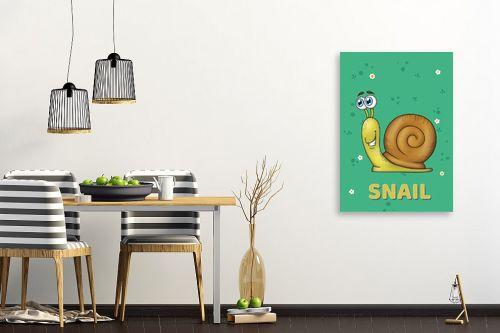 תמונה לפינת אוכל - חנן אביסף - שבלול חמוד על רקע ירוק - מק''ט: 326518