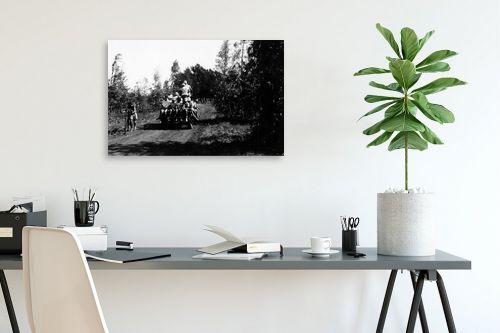 תמונה לפינת עבודה - דוד לסלו סקלי - שדה נחום 1947, עגלה ונוער - מק''ט: 142633