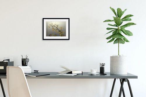 תמונה לפינת עבודה - רעיה גרינברג - ענף אגוז - מק''ט: 205853