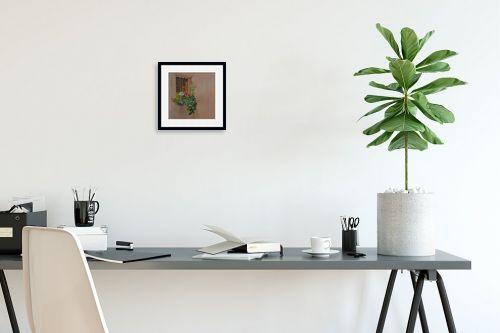 תמונה לפינת עבודה - אסתר טל - פרחים בחלון 1 - מק''ט: 316236