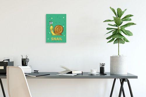 תמונה לפינת עבודה - חנן אביסף - שבלול חמוד על רקע ירוק - מק''ט: 326518