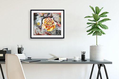 תמונה לפינת עבודה - אהובה מגן - ורד של תקווה - מק''ט: 330981
