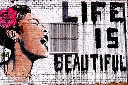 Life is beautyful