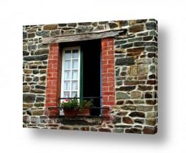 צילומים מבנים וביניינים | חלון על קיר אבן