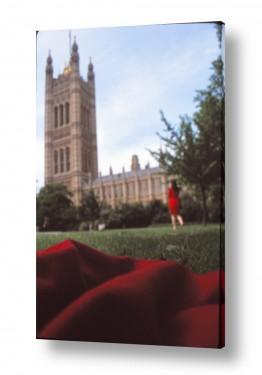 אירופה אנגליה | אישה באדום