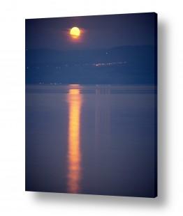 ירח ונוף מקומי ירח | ירח על המים