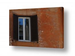 צילומים עירוני | השתקפות מהחלון