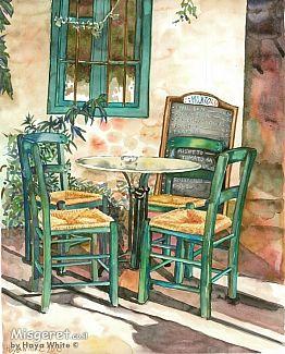 כסאות ליד חלון ירוק