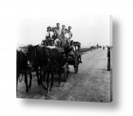 צילומים ארץ ישראל הישנה | אנשים עגלה וסוסים - 1945