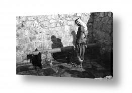 צילומים ארץ ישראל הישנה | הצינור במעיין 1947 עלאר