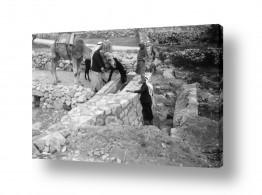 צילומים ארץ ישראל הישנה | שוקת במעיין 1947 - עלאר