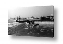 צילומים ארץ ישראל הישנה | תל אביב 1938 גלים וסירה