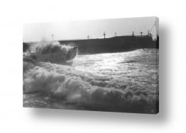 תמונות לפי נושאים ים סוער | תל אביב 1937 סירה בסערה