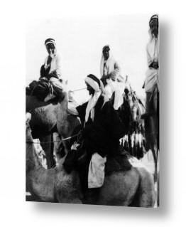 צילומים ארץ ישראל הישנה | בית ג'ירג'ה 1940 גמלים