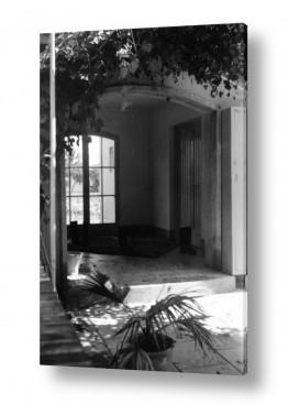 צילומים ארץ ישראל הישנה | מרפסת מוצלת