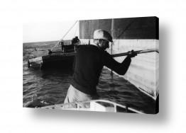 כלי שייט אוניה   תל אביב 1937 לדופן האוניה