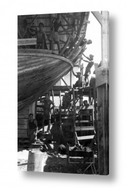 צילומים ארץ ישראל הישנה | תל אביב 1937 בונים סירה