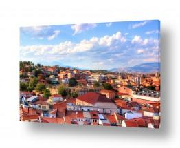 אורבני בתים | גגות אדומים במקדוניה