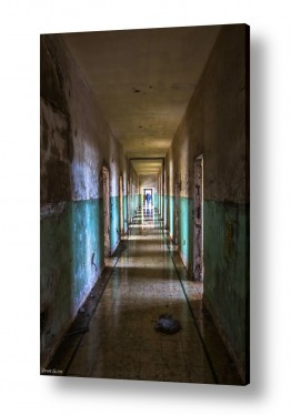 צילומים מבנים וביניינים | האור בקצה המנהרה..
