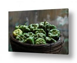 טבע דומם סלסלת פירות | פלפל ירוק
