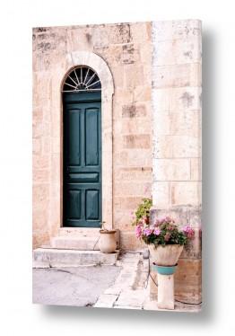 תמונות לפי נושאים עין כרם | דלת עם עציץ