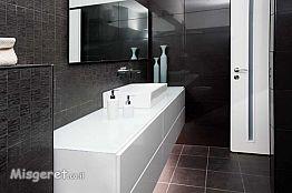 אמבטית חדר הורים מודרנ