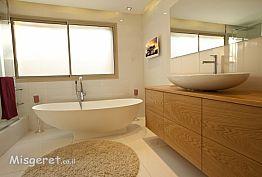 אמבטיה בבית פרטי בדניה